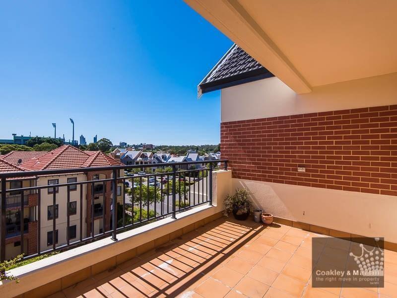 Property for sale in Subiaco : Coakley & Martin