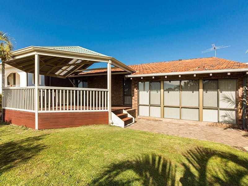 Property for sale in Thornlie:Star Realty Thornlie