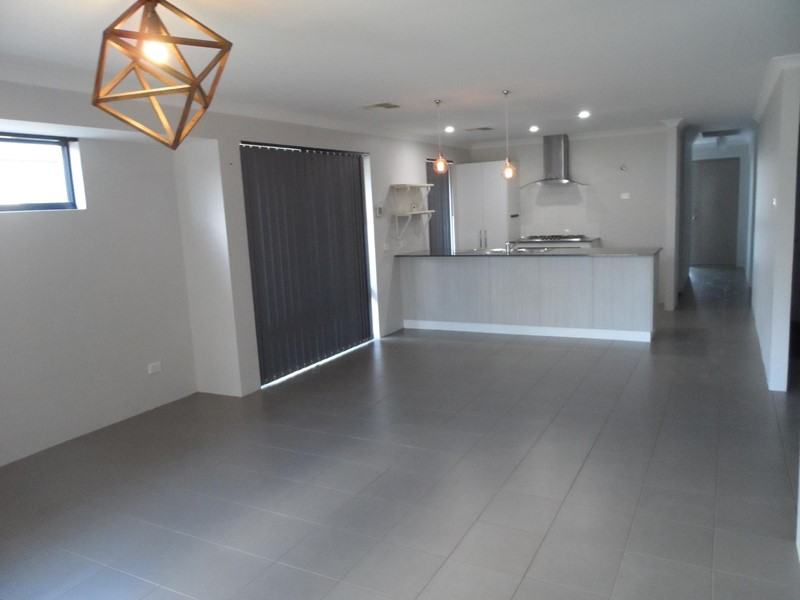 Property for sale in Champion Lakes : Star Realty Thornlie