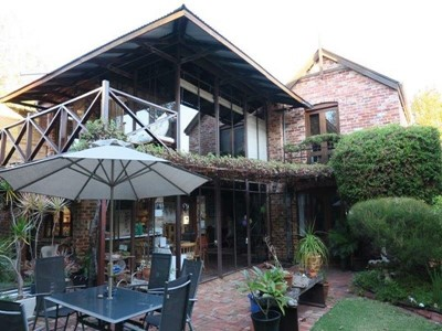Property for sale in Beaconsfield : Mark Brophy Estate Agent