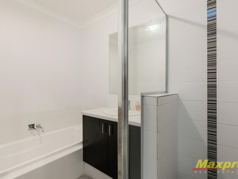 Property for sale in Treeby