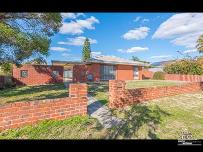 Property for sale  in Kelmscott