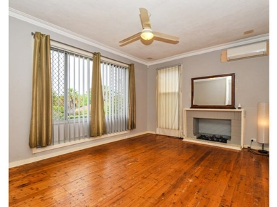 Property for sale in Medina : Property Gallery