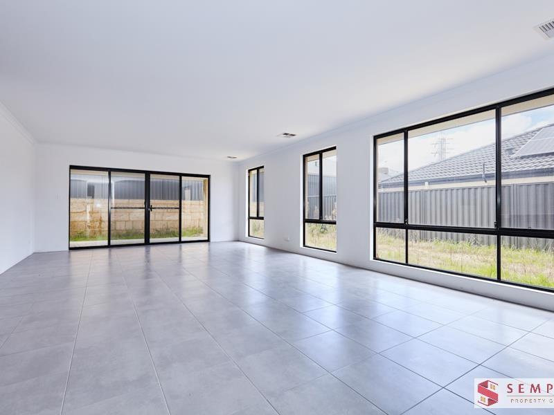Property for sale in Beeliar