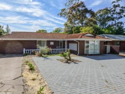 Property for rent in Lesmurdie : Brett Johnston Real Estate