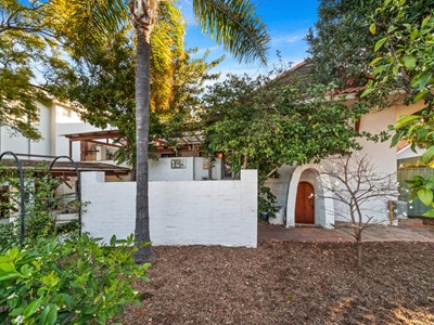 Property for sale in Mount Claremont