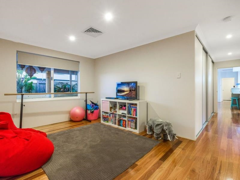 Property for sale in Jindalee : Laurence Realty North