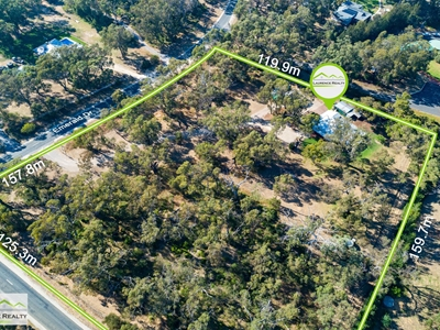Property for sale in Carabooda : Laurence Realty North
