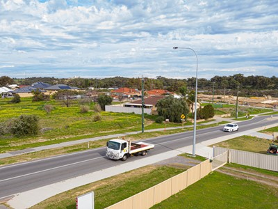 Property for sale in Lake Coogee : Southside Realty