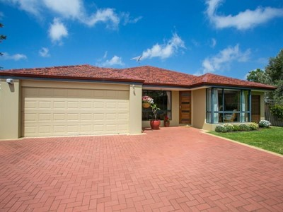 Property for sale in Hamilton Hill : Mark Brophy Estate Agent