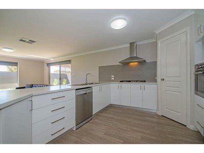 Property for rent in West Lamington