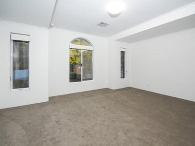 Property for sale in Jandakot : Southside Realty
