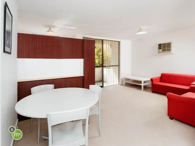 8/392 Canning Highway