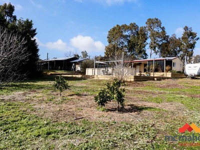 Property for sale in Bakers Hill : McMahon Real Estate