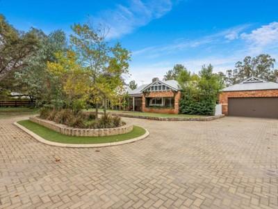 Property for sale in Belhus