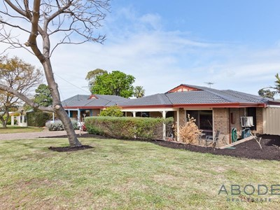 Property for sale in Bicton : Abode Real Estate