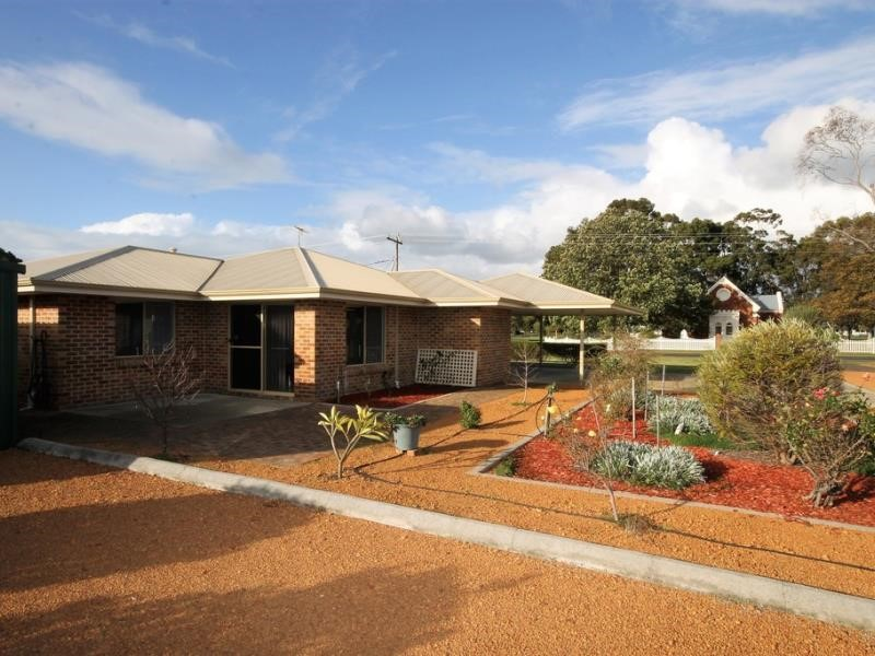 Property for sale in Dardanup : Dad Realty