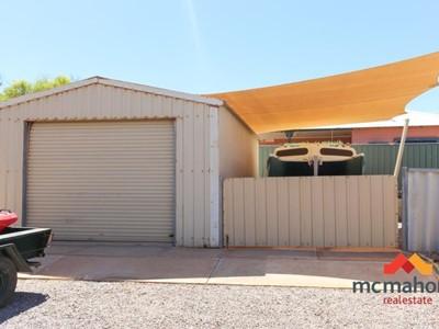 Property for sale in Denham : McMahon Real Estate