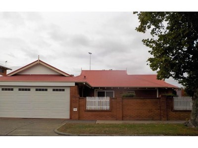 Property for rent in Victoria Park
