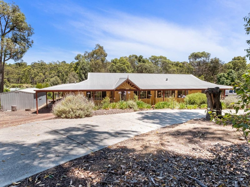 Property for rent in Mount Helena