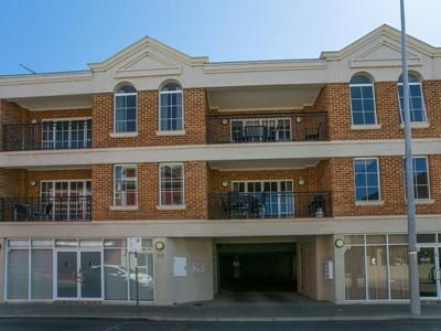 Property for sale in Fremantle : Mark Brophy Estate Agent