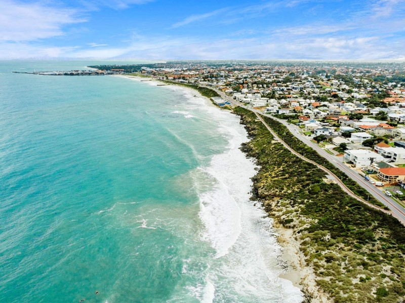 Property for sale in Marmion : West Coast Real Estate