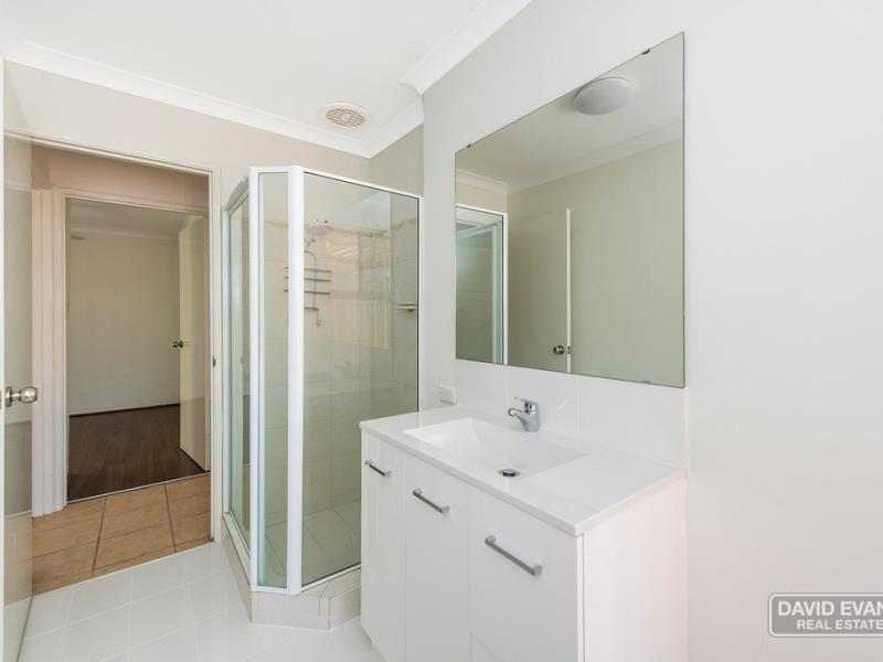 Property for rent in Waikiki : David Evans Rockingham