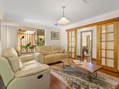 Property for sale in Bickley : Brett Johnston Real Estate