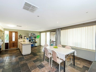 Property for sale in Queens Park : Star Realty Thornlie