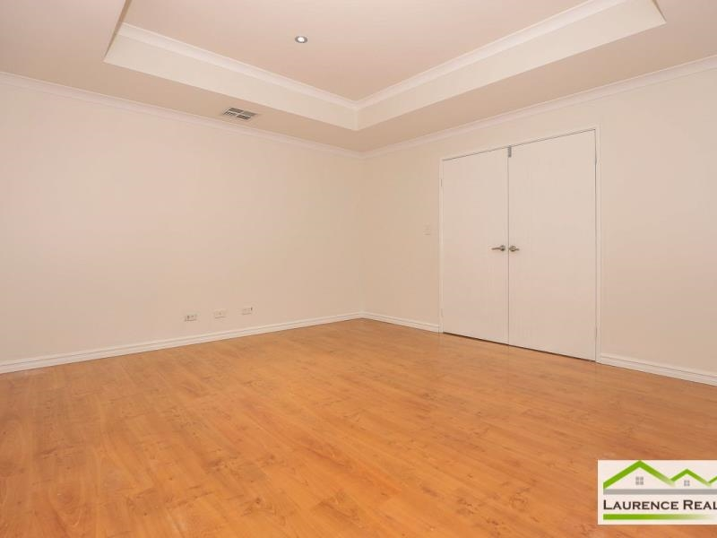 Property for rent in Ridgewood : Laurence Realty North