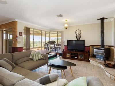 Property for sale in Wellard : REMAX Torrens WA