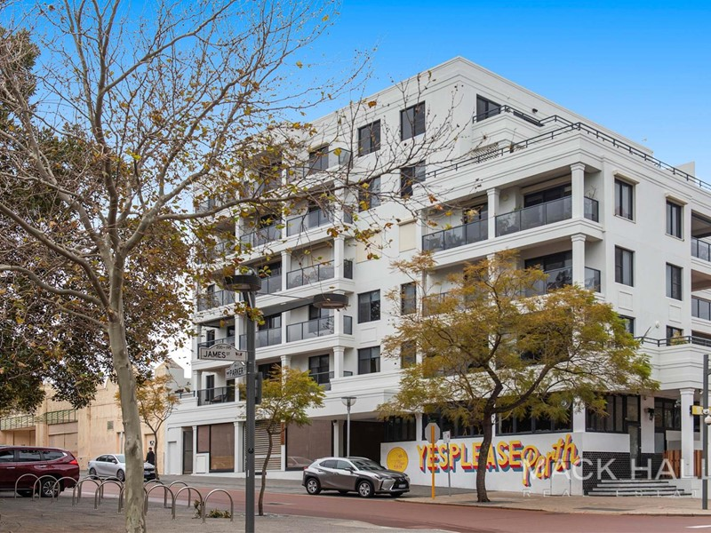 Property for sale in Northbridge