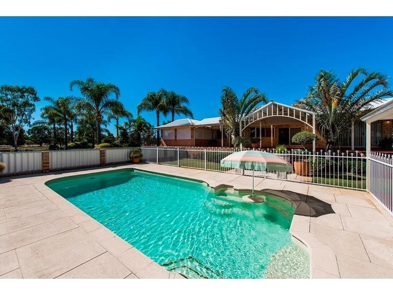 Property for sale in Oakford