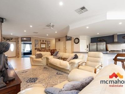 Property for sale in Leeman : McMahon Real Estate