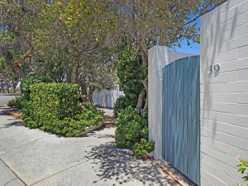 Property for sale in Mount Claremont : Seniors Own Real Estate