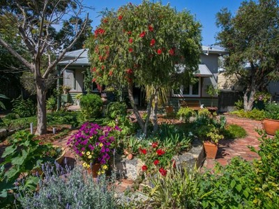 Property for sale in South Fremantle : Mark Brophy Estate Agent