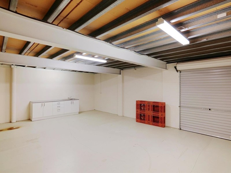 Property For Lease in Belmont : Ross Scarfone Real Estate