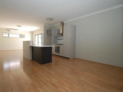 Property for rent in Queens Park