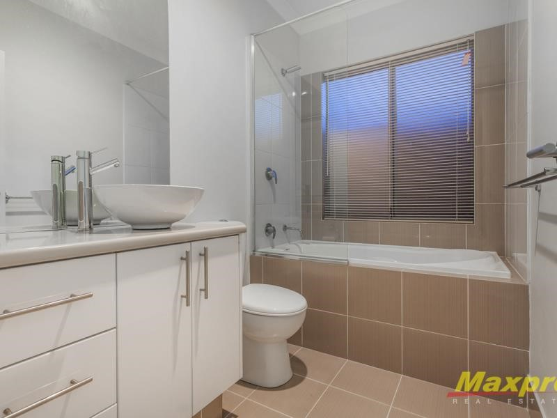 Property for rent in Westminster