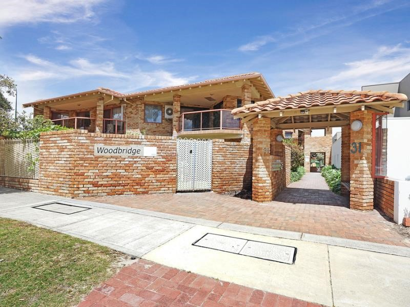 Property for sale in Como : Seniors Own Real Estate