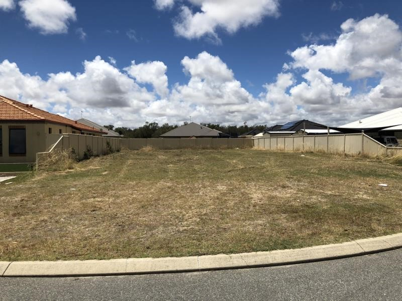 Property for sale in Pinjarra : Willow Tree Realty