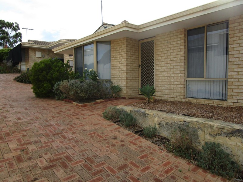 Property for rent in Claremont : Kempton Azzopardi