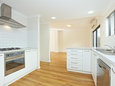SPACIOUS 4X2 TOWNHOUSE and GREAT LOCATION