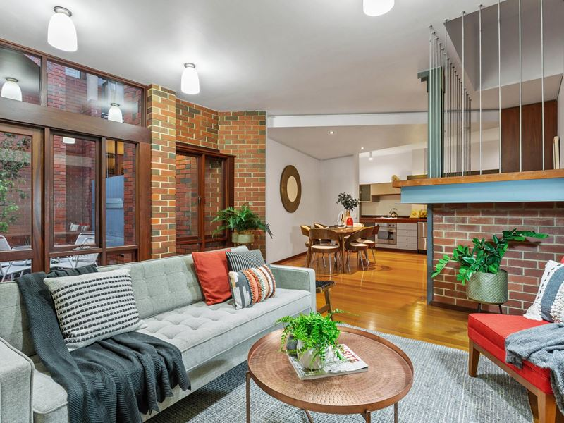 Property for sale in Shenton Park : Hub Residential