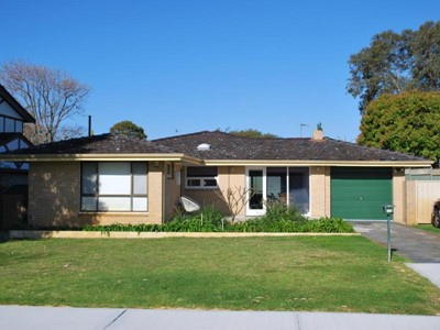 Sought After Lakeside Precinct - Renovated 3 x 1
