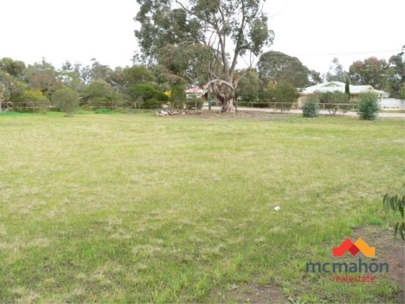 Property for sale in Broomehill Village : McMahon Real Estate