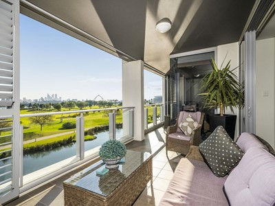 4/23 Bow River Crescent, Burswood
