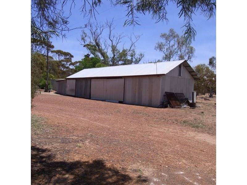 Property for sale in Popanyinning