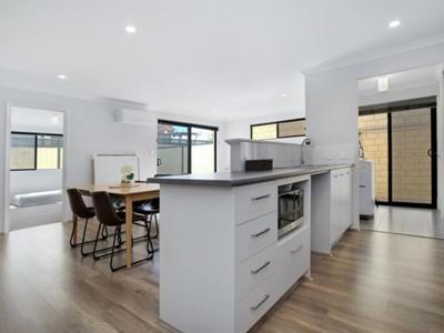 View Property - 45B Cross Street, Queens Park, Queens Park