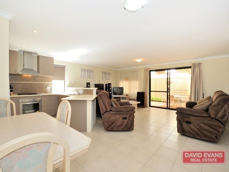 Property for sale in Waikiki : David Evans Rockingham
